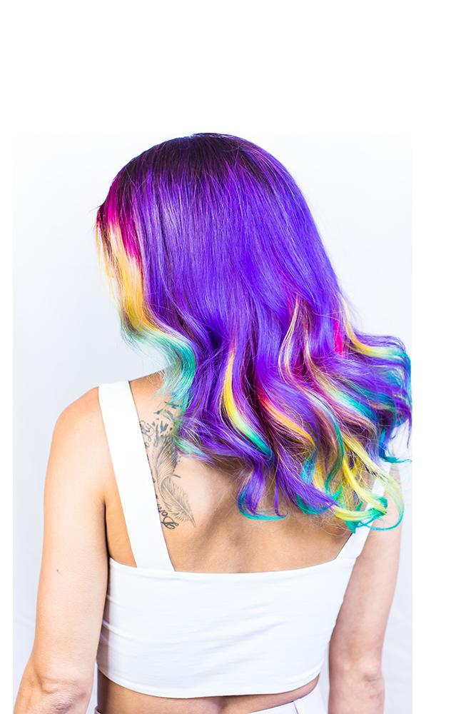 Mannequin femme cheveux violets