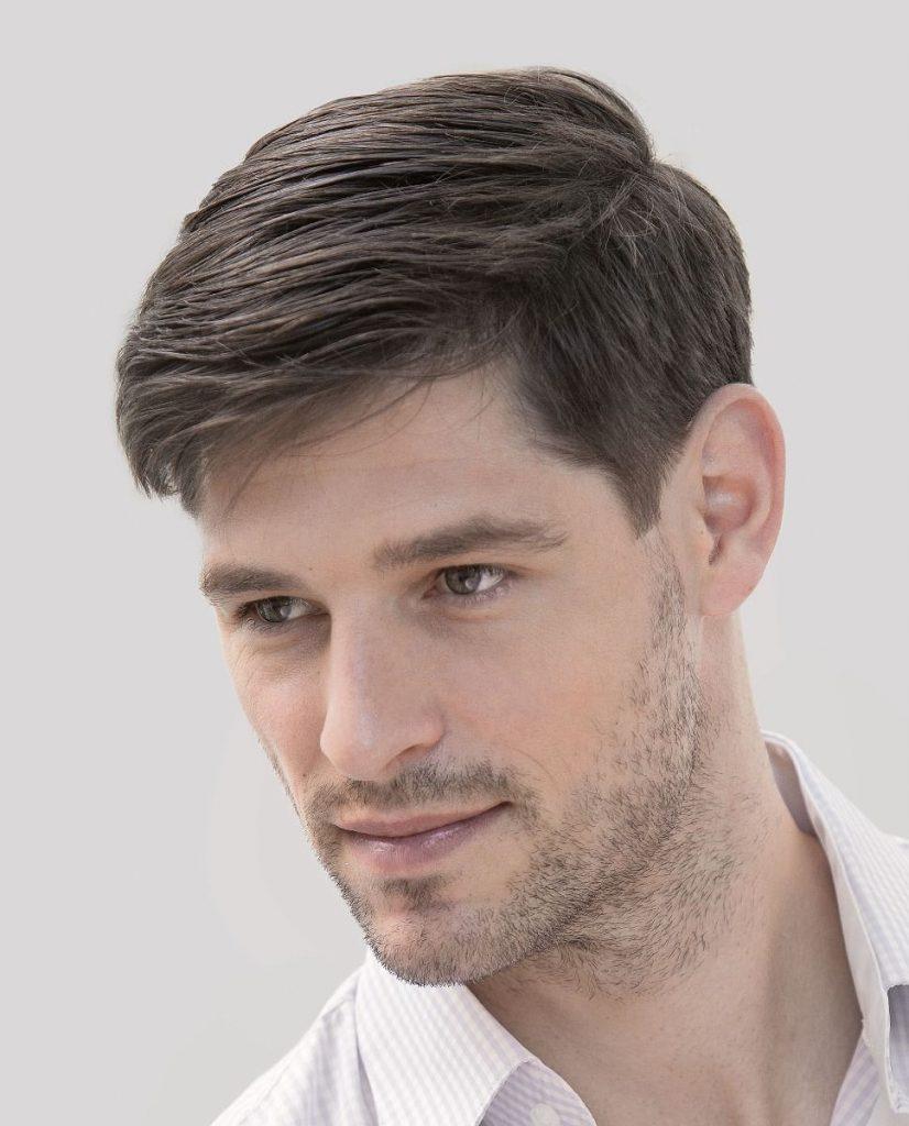 Mannequin avec une perruque pour homme