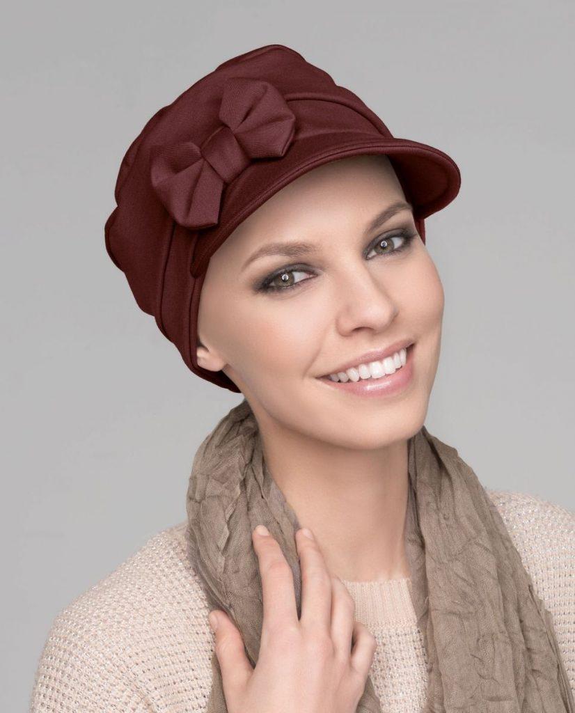 Mannequin au chapeau