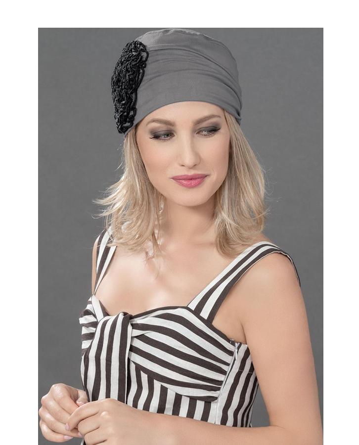 Mannequin femme avec foulard